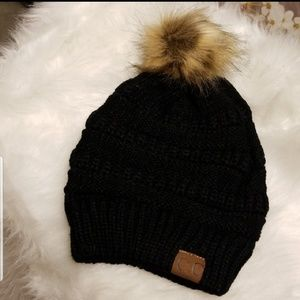 ❄2 LEFT❄CC Pom Pom BLACK beanie